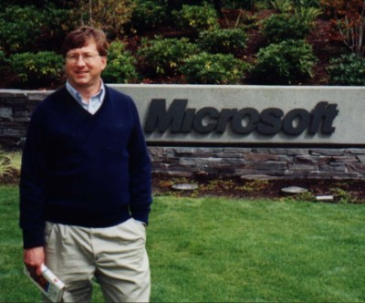 https://prediksi.files.wordpress.com/2009/07/bill-gates-impersonator.jpg?w=300